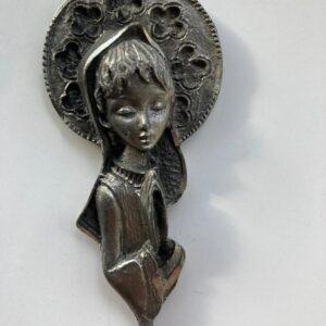 pequena imagem de nossa senhora na cor prata